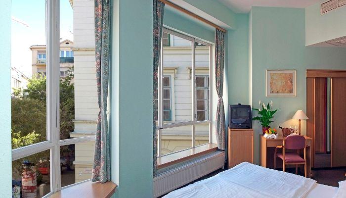 City Hotel Pilvax, Budapest
