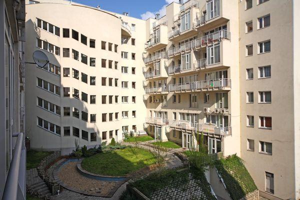 Akácfa Apartment House, Budapest