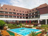 Click here for more images about Hotel Sopron.